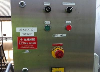Vinomatic-control-board1